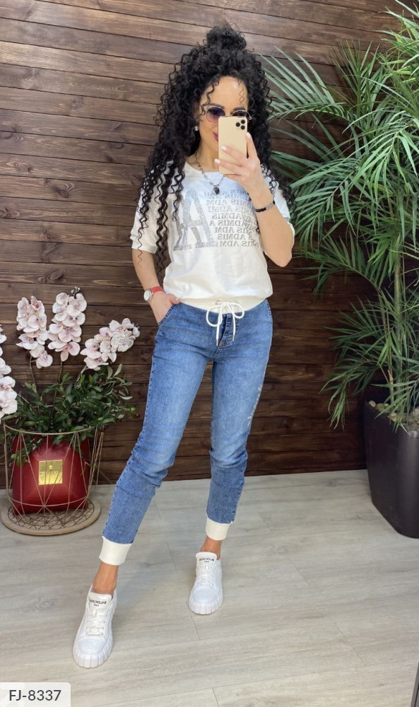 Костюм футболка + джинсы FJ-8337 молоко